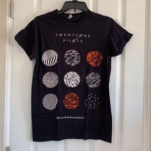 Other - 21 Pilot band Tee shirt